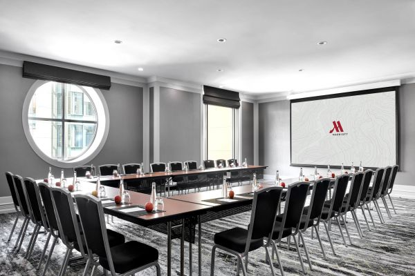 MarriottHotelBrisbane-MeetingRoomUShape.jpg